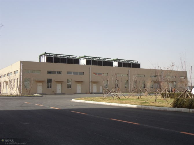 整洁的大型商用中央空调安装标准化施工